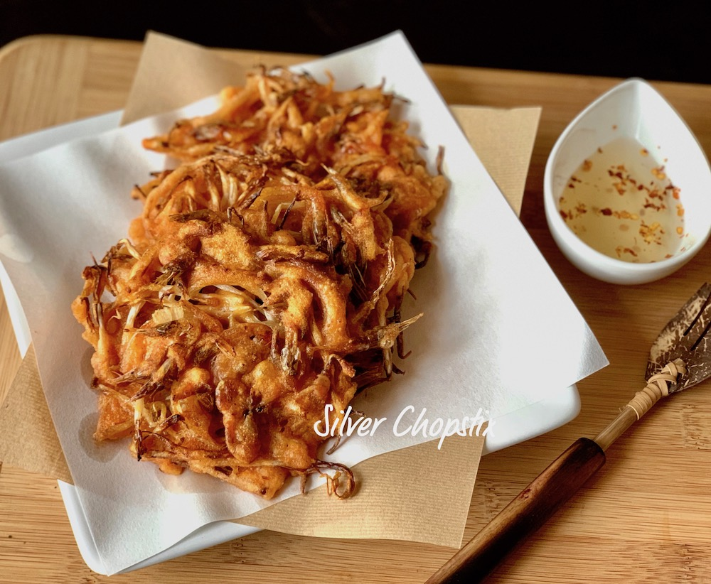 Okoy (Mung Bean Sprouts and Shrimp Fritters)