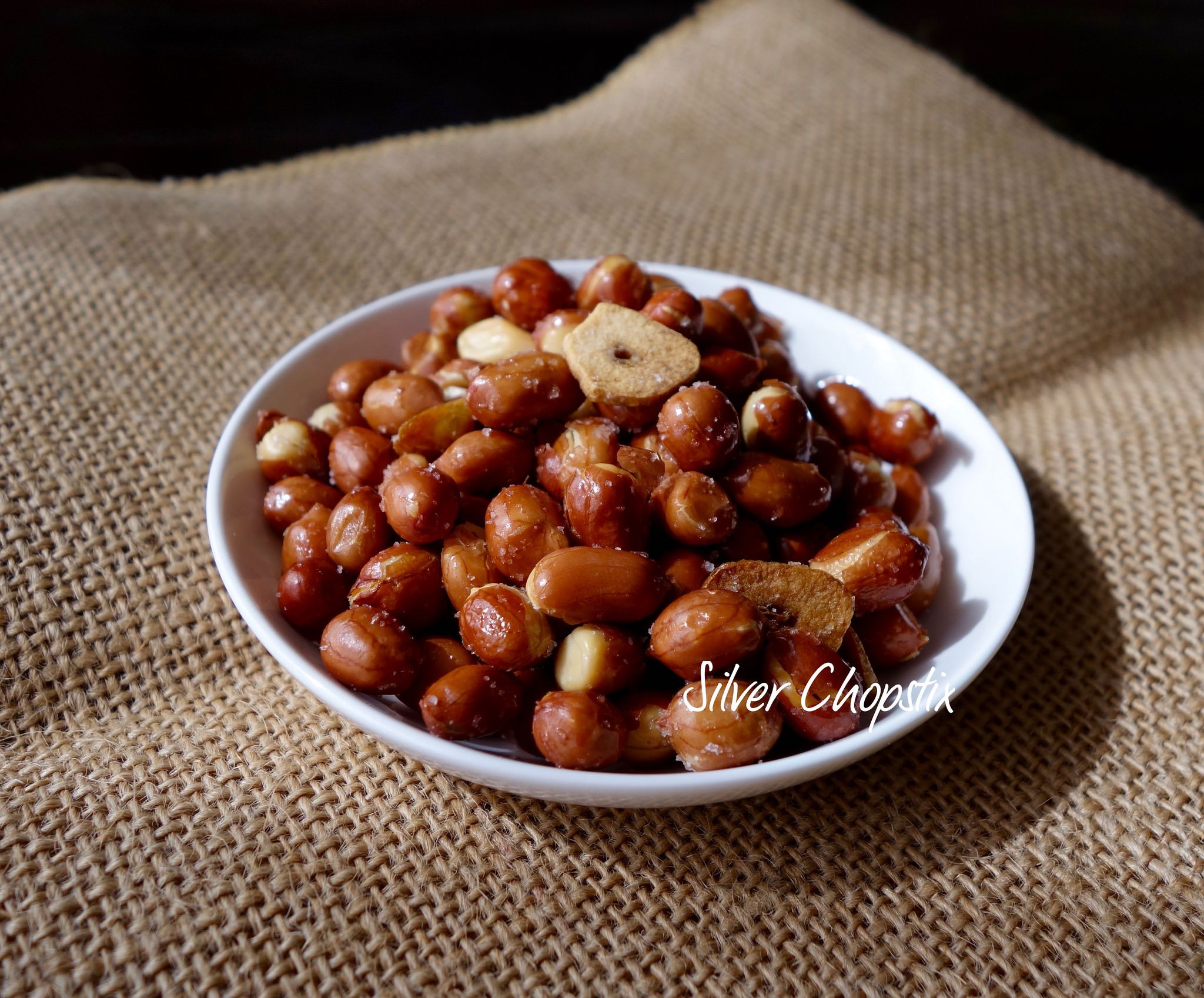Adobong Mani (Stir fried nuts with Garlic)